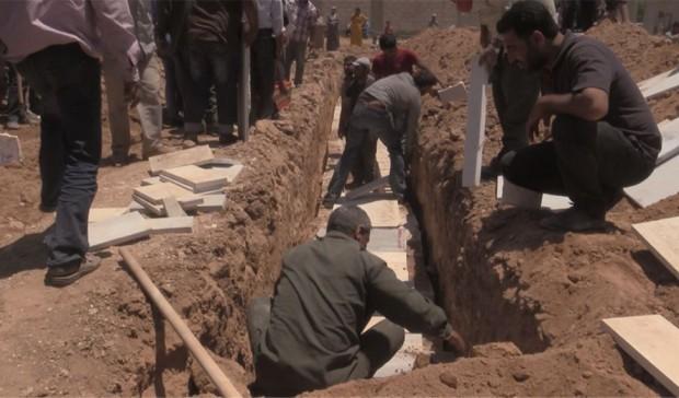 Entierro de las víctimas del genocidio de Kobane / Hawar News