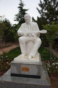 Estatua de Aram Tîgran en Silvan, provincia de Amed, en el Kurdistán turco.