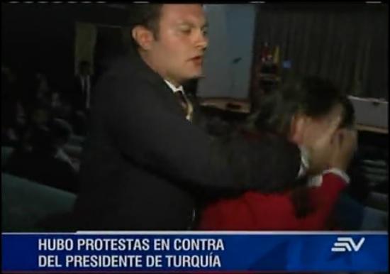Protestas contra el presedidente turco en Perú