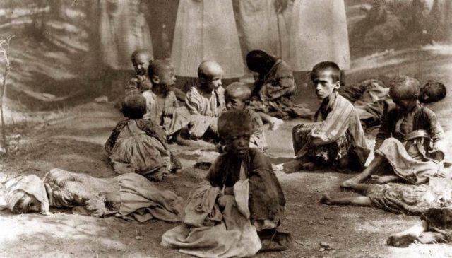 Huerfanos armenios